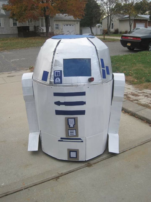 R2-D2 Rolls By